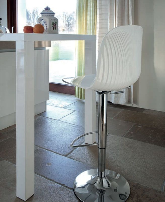27 best bubu stool philippe starck images on pinterest - Tabouret bubu philippe starck ...