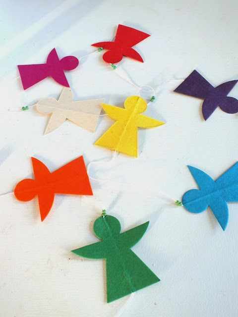 paper garland angels . also nice to use as a gift tag. kerst slinger engels