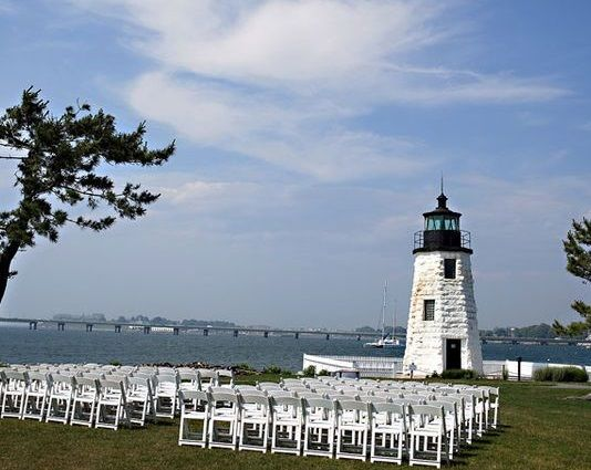 30 Wedding Experts Reveal the Best Wedding Venues in Newport          #VisitRhodeIsland