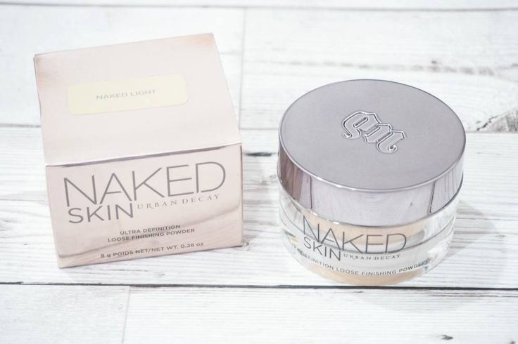 Review of the Urban Decay Naked Skin Ultra Definition Loose Finishing Powder including swatches in the shade Naked Light.