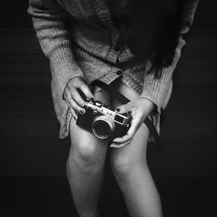 Benoit est un photographe français autodidacte qui utilise le noir et blanc pour vous plonger dans l'intimé de ses sujets, leur donnant ainsi une saveur particulière. DGS vous fait découvrir son travail en images !Benoit Courti, photographe fran&cced...