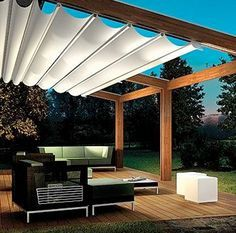 Custom Retractable Awning - Paradise Outdoor Kitchens • Outdoor Grills • Outdoor Awnings • Backyard Amenities