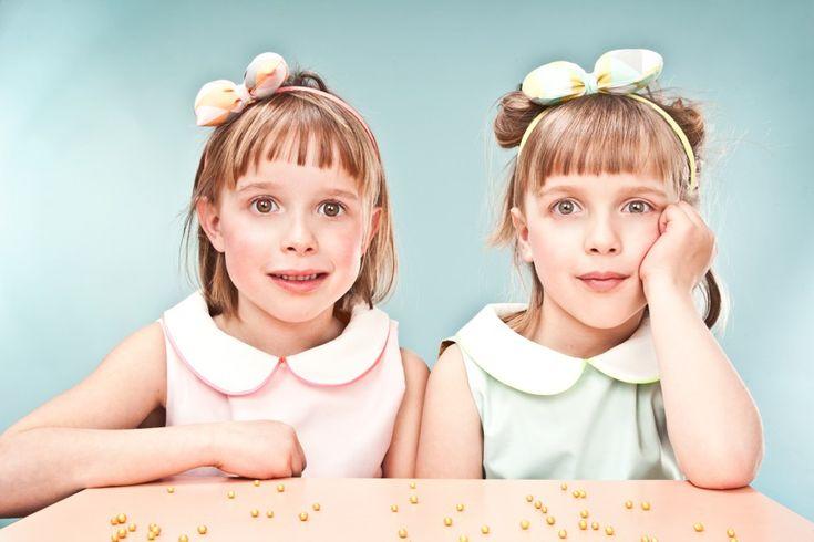 communiekaartje tweeling met erg realistische fotografie