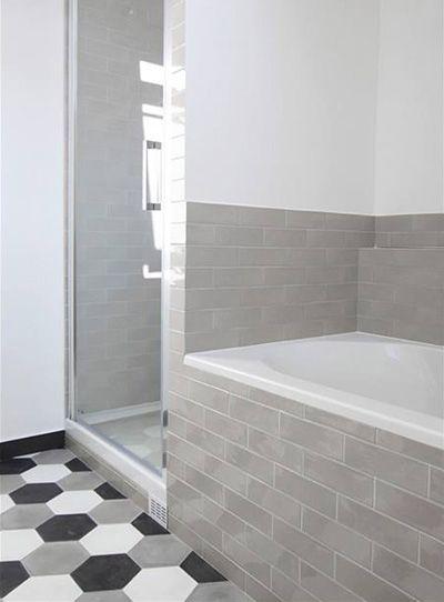 25 best ideas about deco carrelage on pinterest - Peinture carrelage salle de bain ...