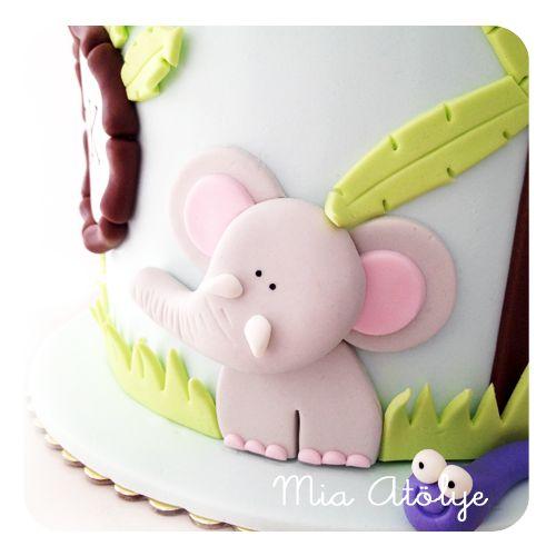 Jungle - safari themed birthday cake Fondant elephant
