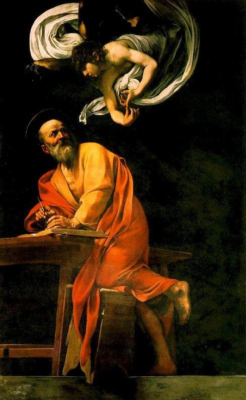 De evangelist Matteüs en de engel van Caravaggio toont hoe de evangelist Matteüs inspiratie toegefluisterd krijgt door een engel. Geen eenvoudige klus voor Caravaggio en een 1e versie moest vervangen alvorens de opdrachtgever kardinaal Del Monte, tevreden was. Als we de 1e versie bekijken, dan is het gemakkelijk om in te zien hoe controversieel en provocerend Caravaggio moet geweest zijn voor zijn tijd. Dit werk werd vernield tijdens de 2e WO en we beschikken enkel over zwart-wit…
