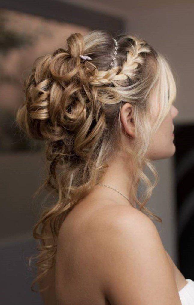 idee coiffure mariage chignon bas avec peigne de mariée en cristal | Coiffure mariée chignon ...