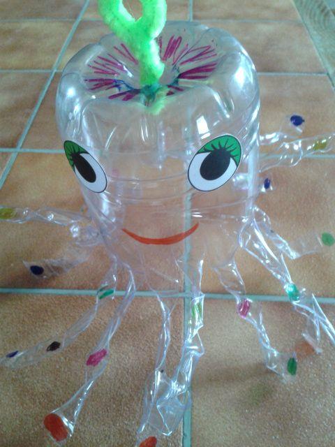 Pieuvre bricolage enfants printemps pinterest - Bricolage avec bouteille plastique ...
