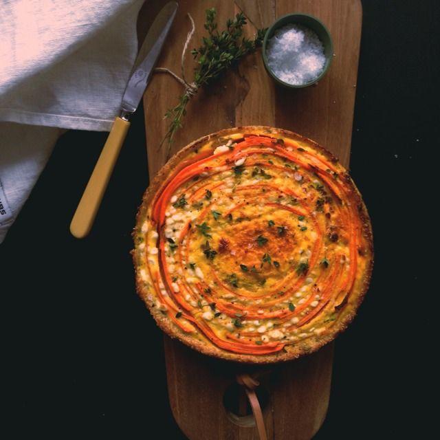 Vanløse blues.....: Kødfri mandag: Gulerodstærte på quinoabund