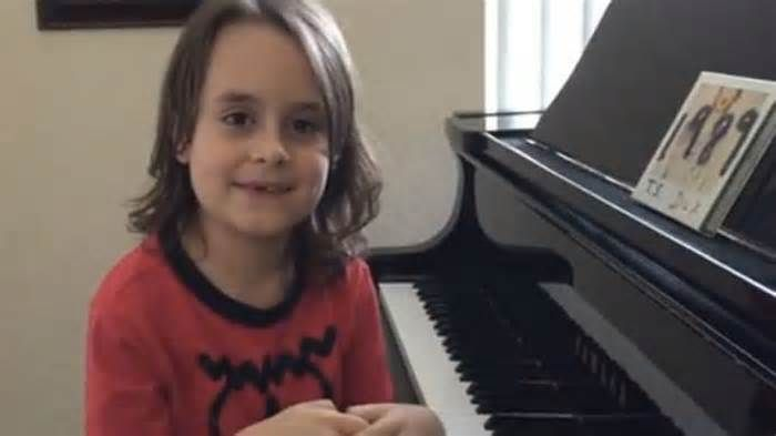 ASD News Autism organization helps piano prodigy meet Taylor Swift - http://autismgazette.com/asdnews/autism-organization-helps-piano-prodigy-meet-taylor-swift/