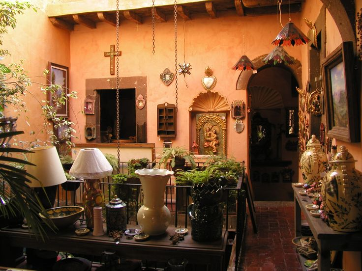 In San Miguel you will find colorful craftsmanship and its exclusive design products everywhere you look...