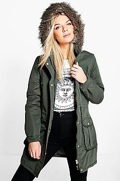 ¡Cómpralo ya!. Parka Con Adorno De Piel Sintética Y Capucha Faith. Wrap up in the latest coats and jackets and get out-there with your outerwearBreathe life into your new  season layering with the latest coats and jackets from boohoo.  Supersize your silhouette in a puffa jacket, stick to  sporty styling with a bomber, or protect yourself from the elements in a plastic raincoat. For a more luxe  layering  piece, faux fur coats come in fondant shades and longline duster…