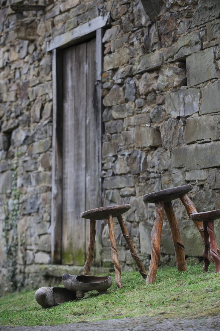 Madreñas, calzado de madera típico de #Asturias #España y aún utilizado en las zonas rurales de Montaña Central de Asturias  //  Madreñas, kind of clogs made of wood typical from #Asturias #Spain, and still used in the rural area of the Central Mountain of Asturias