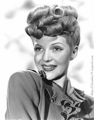 Fashionable Forties: A 1940's updo tutorial