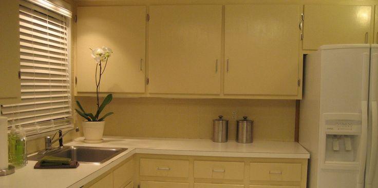 refinishing-kitchen-cabinet-interiors