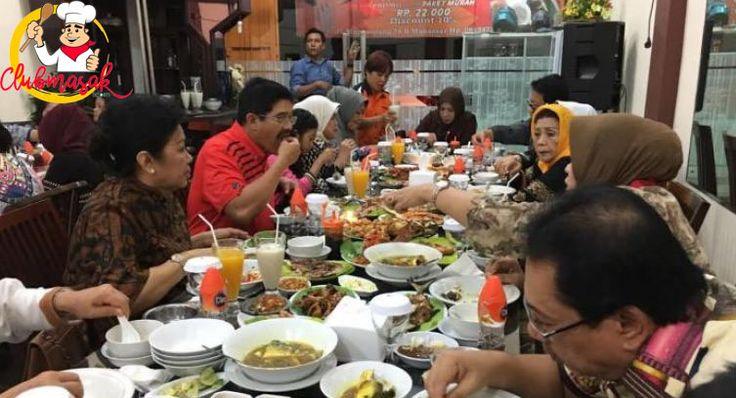 7 Makanan Enak Di Makassar Yang Wajib Kalian Coba, Tempat Makan Favorit Di Makassar