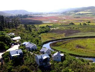 Plettenberg Bay Emily Moon River Lodge South Africa, Africa Emily Moon River Lodge is a popular choice amongst travelers in Plettenberg Bay, whether exploring or just passing through. The property features a wide range of facilities to make your stay a pleasant experience. Service-minded staff will welcome and guide you at the Emily Moon River Lodge. Internet access – wireless, non smoking rooms, heating, mini bar, balcony/terrace can be found in selected guestrooms. Recuperat...