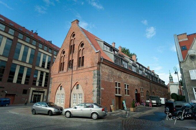 Do renowacji Wozowni w Gdańsku dostarczyliśmy cegłę pruską o wymiarach 28x14x7 cm.  #regaliapolskamanufaktura #staredrewno #staracegła #cegła #gdansk #wozownia