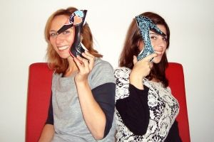 Girls Vinci: elas contam histórias em sapatos pintados à mão | P3
