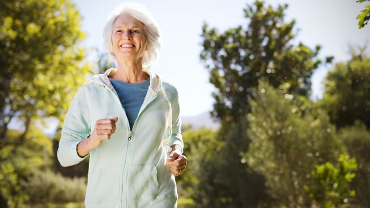 Study Links Running to Lower Alzheimer's Death Risk  Higher fruit intake, cholesterol-lowering drugs also associated with reduced risk, researchers say.