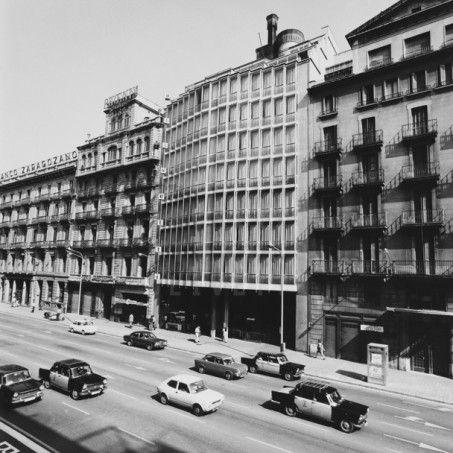 Sede commerciale della Hispano Olivetti a Barcelona. Progetto di B.B.P.R., 1965.