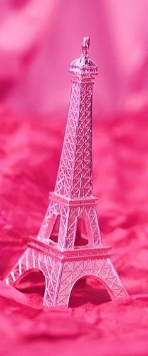 pink effiel tower~~CUTE!!! :D