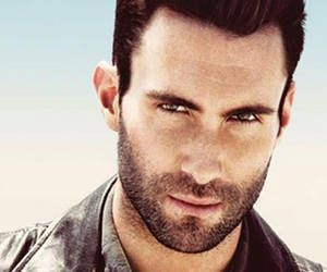 Adam Levine... mmmm!