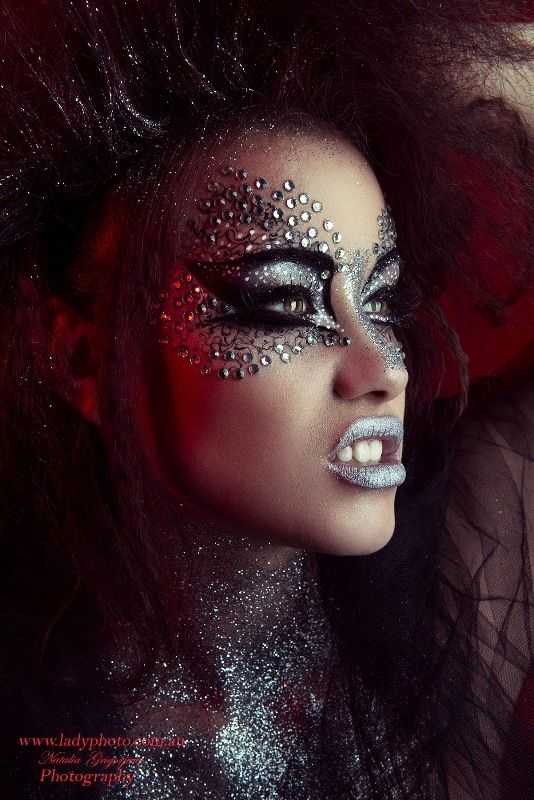 1000+ Ideas About Rhinestone Makeup On Pinterest