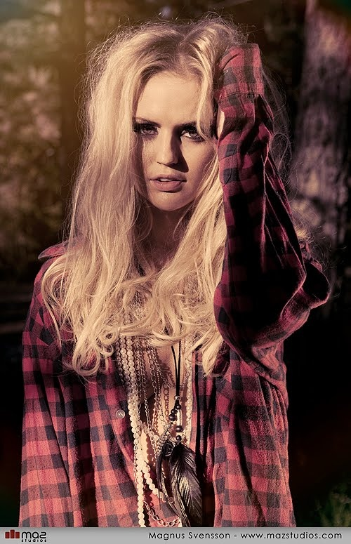 Photo shoot. Photography: Maz Studios Makeup: Johanna Stake