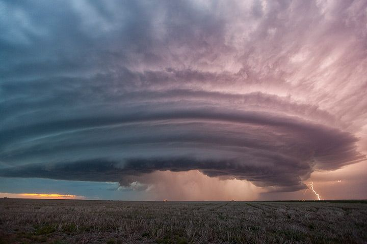 This is the scariest cloud I have ever seen. Credit: Roger Hill/Barcroft Media A supercell thunderstorm in Sanford, Kansas