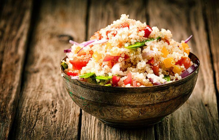 A nutrição Ayuvédica consiste em explorar os cinco sentidos. Cores, sabores e texturas são consideradas na busca por alimentos saudáveis e saborosos.