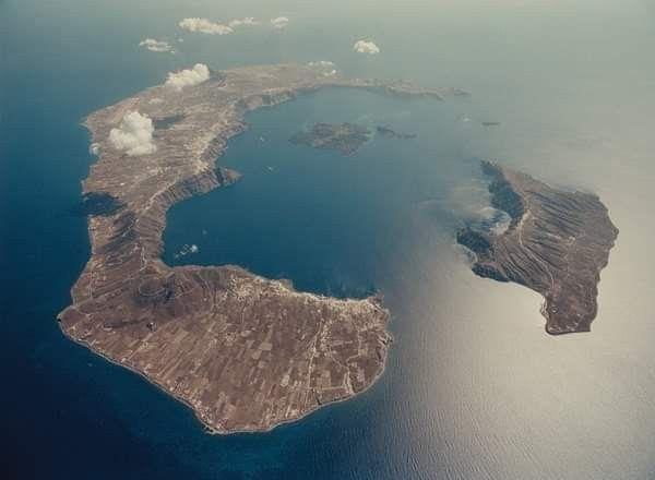 Volcanic Eruption At Thera Santorini In 1646 Bc A Massive