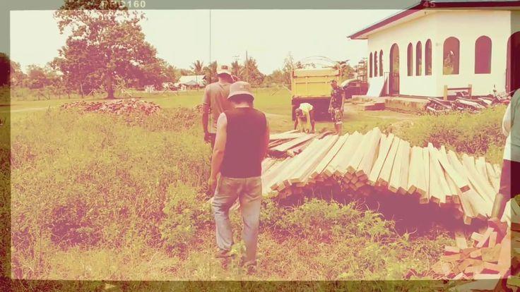 TNI HELP PEOPLE MAKE SCHOOL IN MERAUKE
