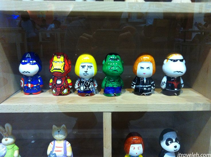 Avengers glass figures at the Trick Eye Museum - www.itraveleh.com