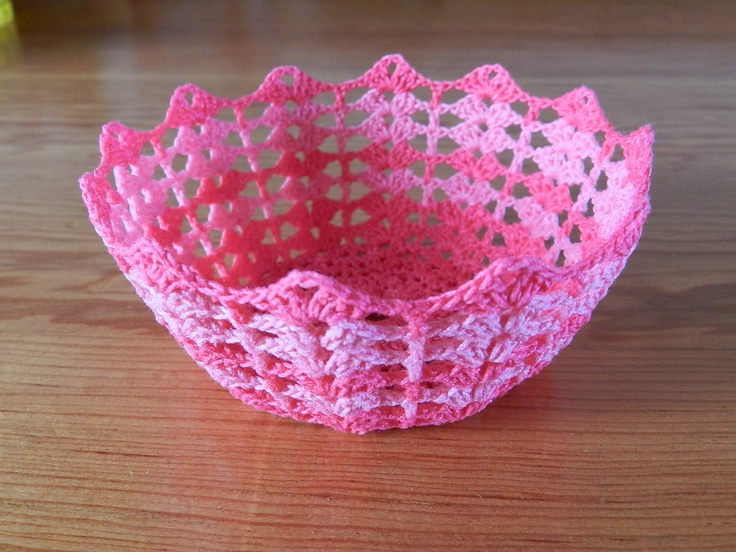 Pink crochet lace bowl and pattern by hookcrochet