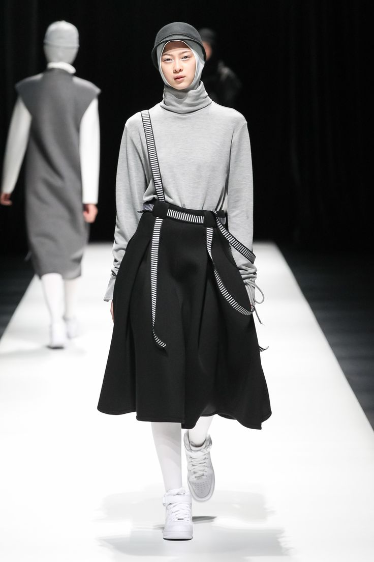 Asian Fashion Meets Tokyo  Tokyo Fall 2017 Fashion Show - Rani Hatta (Indonesia)