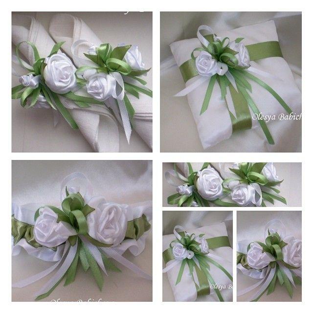 Набор свадебных аксессуаров с розами. Кольца для салфеток, подушечка для колец, подвязка и т.д. Количество предметов по желанию. Набор аксессуаров#розы#свадьба#свадебнаявуаль#свадебныеаксессуары#невеста#назаказ#white#wedding#style#roses#avory#art#bridal#beads#work#wow#flowers#