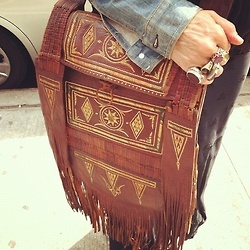 carry pretty. fringe.
