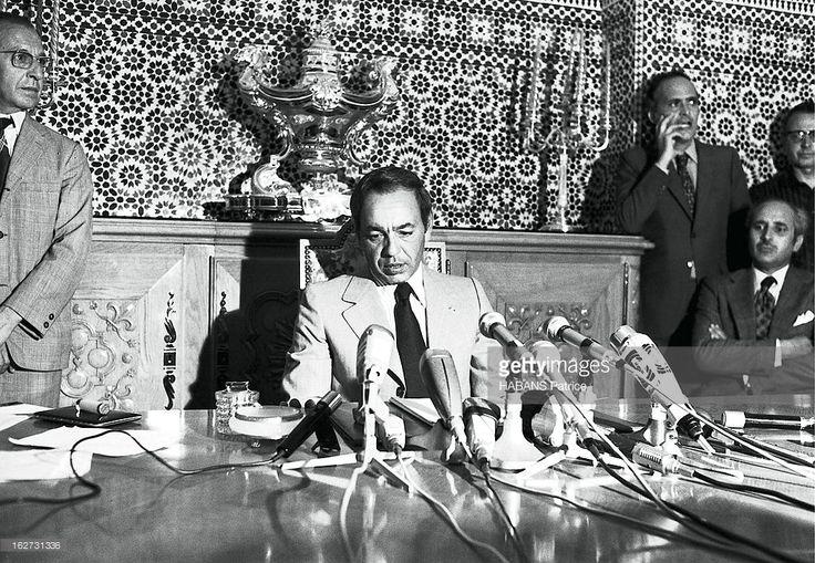Attempted Coup In Skhirat Against The King Hassan Ii Of Morocco: Hassan Ii Giving A Press Conference In Rabat. Tentative de coup d'Etat contre le roi Hassan II du Maroc lors de la garden-party qu'il offrait pour son 42e anniversaire en son palais de Skhirat le 10 juillet 1971 : les chefs des conjurés, le général Mohammed Medbouh, chef de la maison militaire du roi, et le colonel M'Hamed Abadou, commandant de l'école des cadets d'Ahamoumou, sont tués ainsi que de nombreux mutins, une…