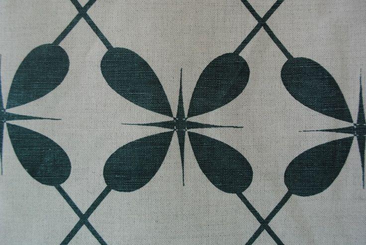 Lucky 4 Leaf Lattis Mistletoe - Linen linen/cotton blend 137cm - close view