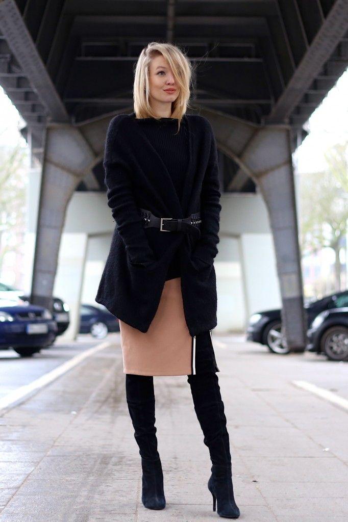 Ohh Couture Skirt: Zara Overknees: Zara Pullover: Zara Cardigan: H&M Belt: Zara Lips: Ellis Faas