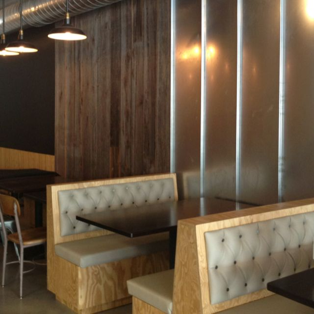 Cafe Banquette Seating: Booth Seating Industrial Chic Restaurant Furniture Maxey