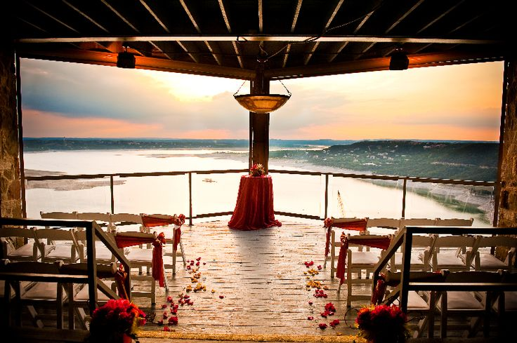 Luxury on the Lake | Wedding Venues on Lake Travis | Austin Wedding Style Blog