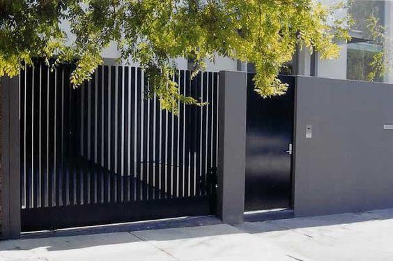 21ไอเดีย แบบรั้วประตูรั้วบ้าน ที่ทำจากเหล็กโมเดิร์น เรียบ