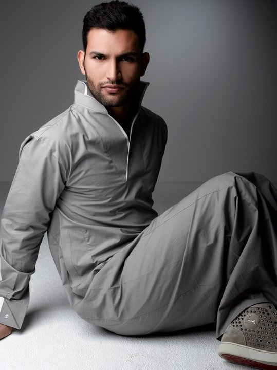 I like this! Time for the mens thobe fashion to step its game up!