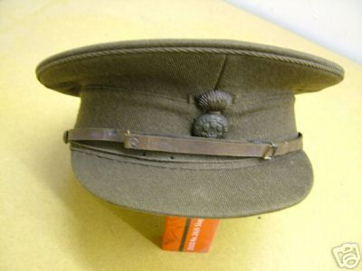 ORIGINAL WW1 OFFICERS STIFF PEAKED CAP. INSIDE OF THE CAP WITH NICE ORIGINAL FRENCH OF CAMBRIDGE MAKER LOGO INSIDE. LEATHER LINE