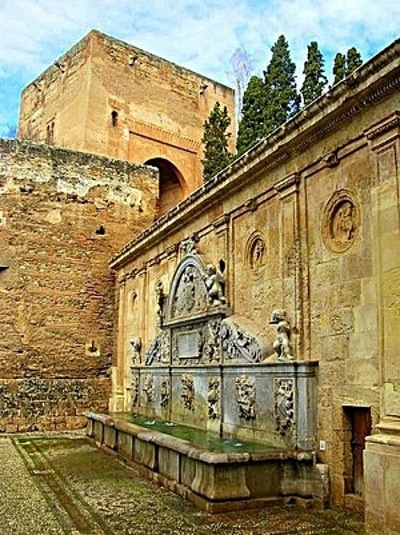 Pilar de Carlos V, Alhambra