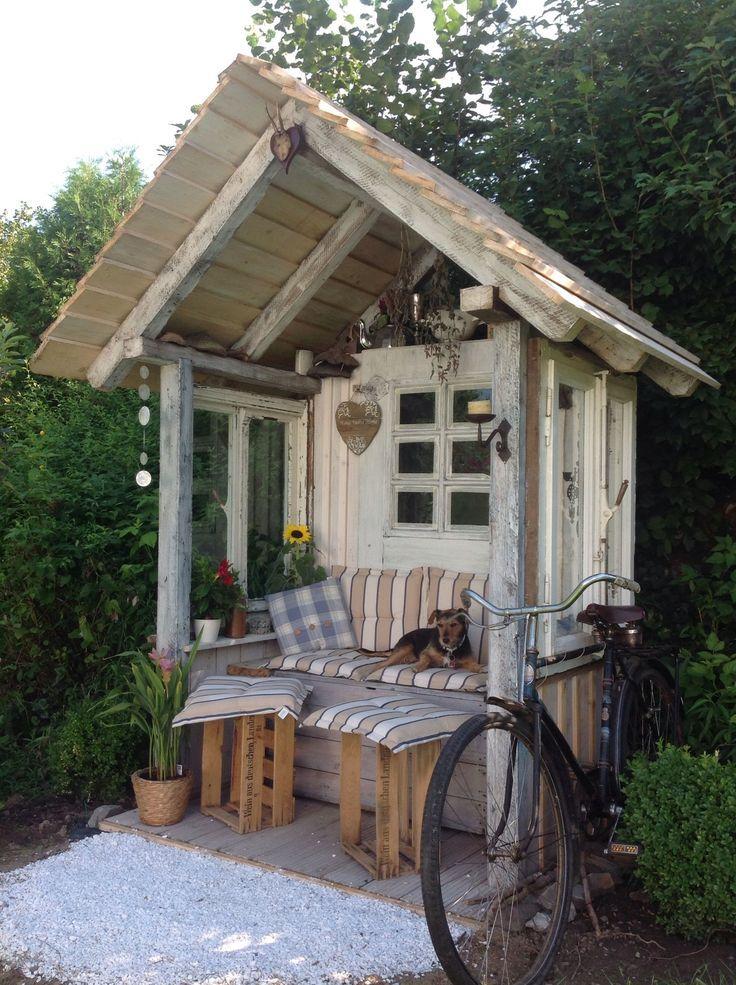 Gartenlaube aus Altholz Kellerfunden und alten