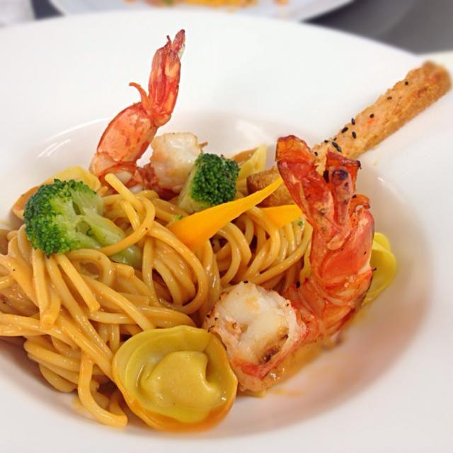 レシピとお料理がひらめくSnapDish - 10件のもぐもぐ - Spaghetti Shrimp sauce with grill prawns with white wine ' tortellini shrimp and crispy shrimp breab by belt