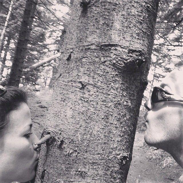 kiss selfie posted on instagram